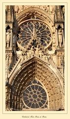 """Cathédrale Notre-Dame"" - Reims (Marne, Champagne, France) (LauterGold) Tags: reims wimperg tympanon mittelrosette cathédralenotredamedereims marne champagne patrimoinemondial weltkulturerbe unescoworldheritage kathedrale cathedral cathédrale gotik gothique"