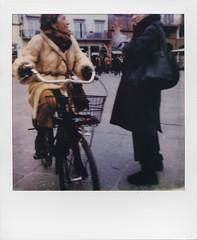 Hey, hello! (ale2000) Tags: polaroidweek polaroid analog analogue instant instantphotography polaroidoriginals onestep2 onestep2roidweek roidweek fall 2018ladiessignorefirenzeflorencecandidstreetstreet photography hello ciao encounters incontri fur pelliccia bike biking bici bicicletta