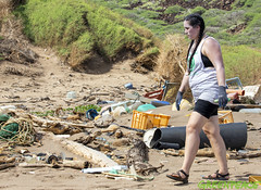 Kaho'olawe Beach Clean Up Day 1 (Greenpeace USA 2016) Tags: myas arcticsunrise hawaii ship plastics campaign oil pacific ocean island trash kahoolawe usa