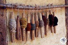 Guédelon (Alexane Goujon) Tags: guédelon chateau bois laine teinte couleur ficelle teinture médiéval