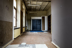 sept-6965 (raymdelmondo1) Tags: lost places old