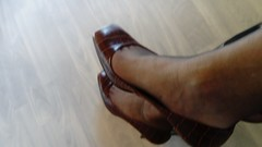 DSC_0486 (grandmacaon) Tags: highheels hautstalons toescleavage talonsaiguille lowcut lowcutshoes sexyheels stilettos