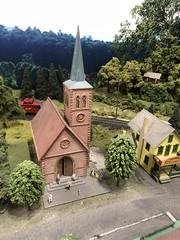 Dickson Miniature Train Display (King Kong 911) Tags: miniaturetrains houses trains crossings cars cows horses churches stores tracks signs