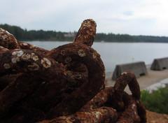 chain (helena.e) Tags: strömsholm water vatten kedja chain rost rust helenae semester vacation husbil rv motorhome älsa