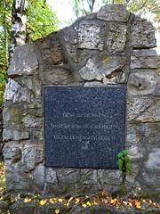 Kriegerdenkmal (Landschleicher77) Tags: karlbonhoeffernervenklinik vivanteshumboldtklinikum krankenhausreinickendorf karlbonhoefferheilstätten wittenauerheilstätten irrenanstaltdalldorf bonniesranch oranienburgerstrolbendorferweg wittenau reinickendorf berlin
