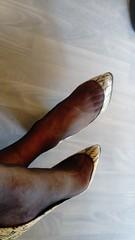 DSC_0501 (grandmacaon) Tags: highheels hautstalons toescleavage talonsaiguille lowcut lowcutshoes sexyheels stilettos