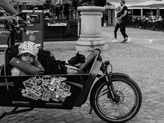 Stockholm (Peter Krumme) Tags: streetphotography people stockholm ricoh grii