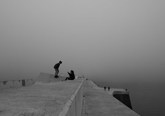 The sea and the fog (oiZox) Tags: sea seaside seascape fotocallejera fog foggy travelling travel travelphotography young urban incontri introspectus orlandoimperatore ombreeluci observing people paisvasco paseo light life luz libre love kids journey joy human happiness grandeepiccolo fotourbana friends family fujifilm fujistas acros zox zoximage xpro2 city vizcaya viaggiare bw blackwhite blanconegro bnw bn bnwphotography bnwphoto bnwdemands bermeo mono monocromatico monochrome