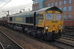 66544 6K12 (Rob390029) Tags: freightliner class 66 66544 newcastle central station ncl