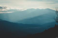 « Quand tu arrives en haut de la montagne, continue de grimper. » Proverbe Tibétain  #mountains #nature #landscape #landscapephotography #naturephotography #naturelovers #pyrenees #pyreneesorientales #gx9 (Lexlutin66) Tags: mountains nature landscape landscapephotography naturephotography naturelovers pyrenees pyreneesorientales gx9