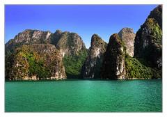 Quảng Ninh VN - Hạ Long Bay 18 (Daniel Mennerich) Tags: hạlongbay limestone karsts vietnam canon dslr eos hdr hdri spiegelreflexkamera slr