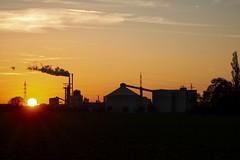 Sunset Silhouette (And Hei) Tags: euskirchen zuckerfabrik eifel industry industrieanlagen sunset sonnenuntergang sonnenaufgang sunrise silhouette contrast colors kuchenheim weidesheim canons100