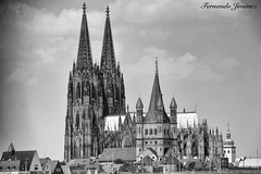 Catedral de Colonia (alanchanflor) Tags: canon bw catedral alemania colonia nubes torres iglesia piedra