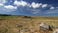 Aubrac (Yvan LEMEUR) Tags: aubrac immensité solitude nuages rochers granite lozère aveyron extérieur grandsespaces landscape paysage france clôture pastoralisme
