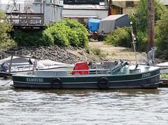 Jumbo (Parchimer) Tags: motorboot boot boat schiff elbe hamburg