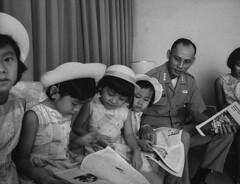 Huu Co Nguyen & Family (manhhai) Tags: saigon vietnam vnm