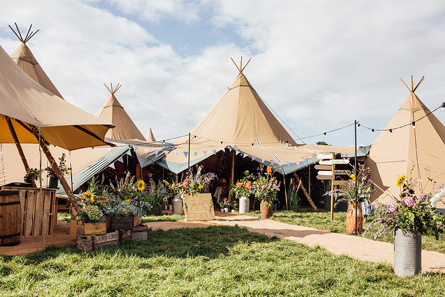 3 giants, a kung, catering tent and Ohana