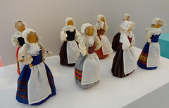 November 6,  Svenska dagen (evisdotter) Tags: november6 svenskadagen finnishswedishheritageday folkdräkter dolls dockor hantverk handycraft nitti åland