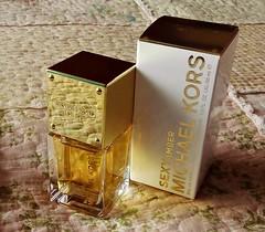 Sexy Amber de MICHAEL KORS_ (Gabriela Andrea Silva Hormazabal) Tags: perfumes perfume parfum eaudeparfum sexyamber michaelkors bottle