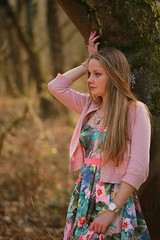 0093 (boeddhaken) Tags: longhair blond dreamwoman beautifulwoman woman sexywoman cutegirl lovelygirl dreamgirl beautifulgirl girl sexygirl hetzwin zwin nature natureparc tree bridge longbridge laydown