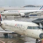 Delta CRJ-200 & Air France B772 (DTW) thumbnail