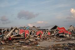 Viele tausende Gebäude sind vollständig zerstört (Caritas international) Tags: katastrophe seebebentsunami erdbeben zerstörung palu centralsulawesi indonesien idn