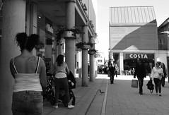 Bird Life (Bury Gardener) Tags: 2018 nikond7200 nikon bw blackandwhite burystedmunds england eastanglia uk britain suffolk streetphotography street streetcandids snaps candid candids people peoplewatching folks monochrome mono arc thearc