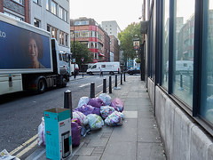 Whitfield Street. 20181011T07-42-33Z (fitzrovialitter) Tags: bloomsburyward england fitzrovia gbr geo:lat=5152015000 geo:lon=013456000 geotagged unitedkingdom peterfoster fitzrovialitter city camden westminster streets urban street environment london streetphotography documentary authenticstreet reportage photojournalism editorial daybyday journal diary captureone olympusem1markii mzuiko 1240mmpro microfourthirds mft m43 μ43 μft ultragpslogger geosetter exiftool rubbish litter dumping flytipping trash garbage