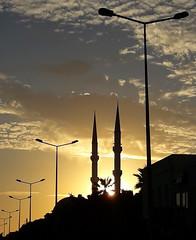 coucher de soleil1810061820 (opa guy) Tags: coucherdesoleilsunset soleil turgutreis turquie egliseskirchenchurch mosquée