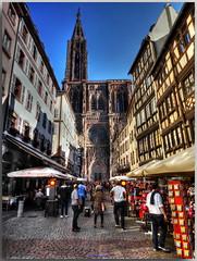 Straßburger Münster (Liebfrauenmünster zu Straßburg) S Stroossburger Münster - Cathédrale Notre-Dame de Strasbourg (Peterspixel) Tags: strasburg strasburgermünster liebfrauenmünster cathédralenotredamedestrasbourg gotteshaus kathedrale mittelalter elsass vogesen erzbistumsstrasburg katholizismus romanik gotik nordturm fensterrose strasbourg cathedral strasbourgcathedral sstroossburgermünster stroossburg