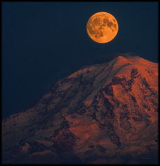 Harvest Moon Time (Ernie Misner) Tags: f8danceundertheharvestmoon harvestmoon moon tacomawa tacoma washington mountrainier rainier mountain 200500 nikond810 erniemisner letsdancethenightaway
