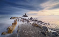 Unconscious (Ekaitz Arbigano) Tags: ekaitz arbigano euskadi basque country landscape paisaje sun sunset shore shoreline sea seascape beach rocks rocas playa atardecer lights highlights long exposure larga exposicion blu gold clouds unconscious