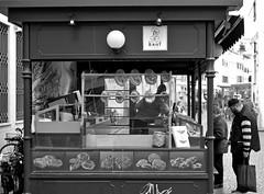 Bozner Brot (@WineAlchemy1) Tags: bread brot bozen bolzano altoadige südtirol italy stall street blackwhite monochrome neroebianco noiretblanc boznerbrot tradition pane backerai bakery panificio pretzels piazzadelleerbe southtirol