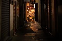 銀座 路地裏探訪02 (sunuq) Tags: ginza japan 日本 銀座 canon eos 5dsr ペッツバール ロモグラフィ lomography zenit petzval 路地裏 路地裏探訪