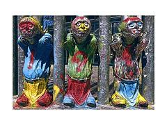 3 Nains (Jean-Louis DUMAS) Tags: colors couleurs artiste artistique artistic artdelarue streetart art nain statue