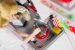 The joy of cooking (Ylang Garden) Tags: licca kitchen obitsu24cm dish miniature rement