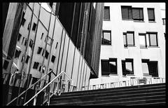 Spiegelung (norbert.gudzuhn) Tags: hamburg spiegelung speicherstadt bw architektur norbert gudzuhn