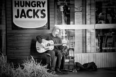 hungry jack's (Angelo Petrozza) Tags: hungry jack jacks adelaide australia sa blackandwhite biancoenero bw guitar chitarra singer music stree streetphotography musicadistrada angelopetrozza 55300f458
