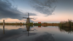 Kinderdijk This Evening. (Wim Boon Fotografie) Tags: wimboon windmill kinderdijk unescoworldheritage leefilternd09softgrad leelandscapepolariser holland nederland netherlands natuur nature natura2000gebied sunset molen