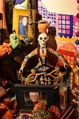 _DSC0331 (alnbbates) Tags: november2018 dayofthedead livingartsoftulsa tulsa oklahoma altars ofrendas altar ofrenda