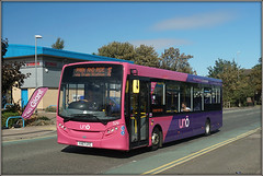 A Cobblers Win! (Jason 87030) Tags: e200 enviro uno uni uon universityofnorthampton council parkride bus pink purple 18 stjamesmillroad roadside shot hoot northants northamptonshire publictransport group album vehicle yx67uyc 529 flag