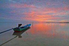 Beach boat clouds - Credit to https://homegets.com/ (davidstewartgets) Tags: beach boat clouds dawn landscape nature ocean outdoors reflections sea seascape seashore sky sun sunset transportation system travel vehicle water watercraft