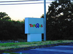 """Closed Toys """"Я"""" Us (Waterford, Connecticut) (jjbers) Tags: closed vacant abandoned bankrupt toys r us toy store waterford connecticut july 10 2018 road sign"""