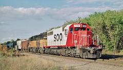 Soo 740 in La Crescent, Minnesota on September 29, 1990. (soo6000) Tags: emd sd40 740 soo sooline soo740 lacrescent minnesota 222 manifest freight train railroad fallenflag