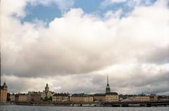 (Alessandro Venerandi) Tags: flaneur streetphotography pastel urban 35mm filmphotography kodak kodakcolorplus200 ricoh35zf sweden stockholm