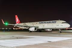 Turkish Airlines TC-JSY HAJ at Night (U. Heinze) Tags: aircraft airlines airways airplane haj hannoverlangenhagenairporthaj planespotting plane nikon night nightshot eddv flugzeug