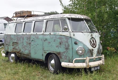"DZ-26-82 Volkswagen Transporter kombi 1962 • <a style=""font-size:0.8em;"" href=""http://www.flickr.com/photos/33170035@N02/44597638775/"" target=""_blank"">View on Flickr</a>"