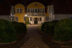 School (MIKAEL82KARLSSON) Tags: gränna night natt nightshot nightphoto nattfoto småland jönköping polkagris sverige sweden vättern street park sony a7ll samyang 50mm mikael82karlsson