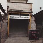 Tiefstack, abgebrochener Bahnsteigzugang thumbnail