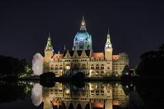 Neues Rathaus Hannover (hangoverphotograph) Tags: spiegelung see nacht neuesrathaus langzeitbelichtung canon5dmarkiv hannover
